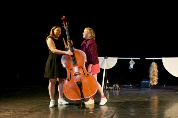 Theater: Joke Emmers 'Vogelvrij'