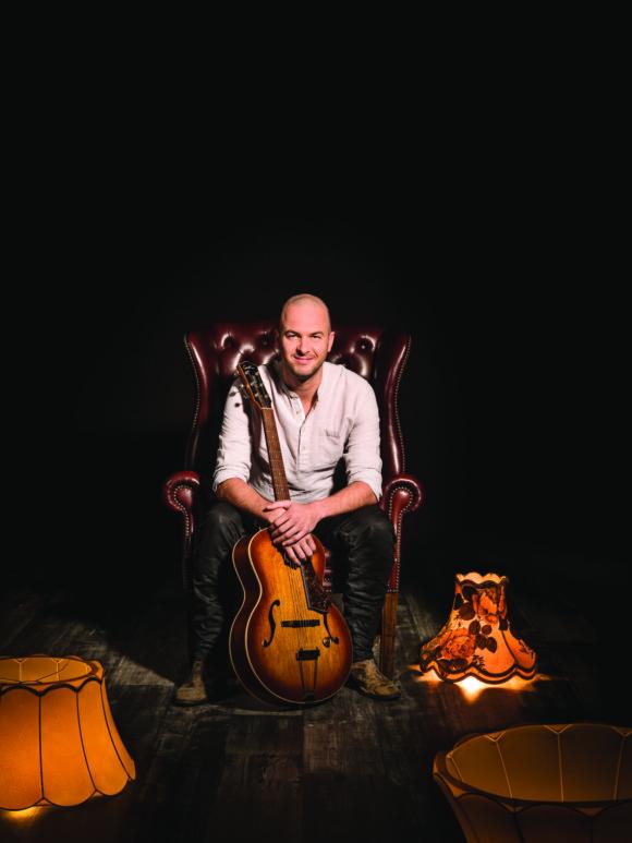 Muziek: STAN VAN SAMANG – OP DE SCHOOT